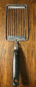 EKCO USA Vintage Tomato Slicer Black Wooden Handle Tomatoes Eggs Butter Cheese