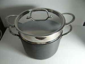 Non-stick 8 Quart Dutch Oven with Steamer Metal Lid