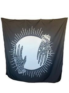 New Chic Hands Holding Sun Tapestry, Black and White Detail