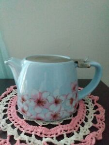 Light Blue and Pink Floral Ceramic 1 Cup Teapot With Infuser and Flip Lid