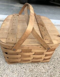 Vintage Picnic Basket With Six Woven Plate Holders And Stand Hinged Lid
