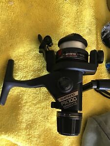 Lightly Used Shimano Fishing reel FX 100 with Line