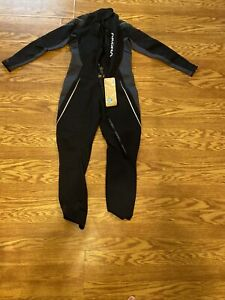 akona adventure gear Wet Suit 11 12 Black amp; Gray New With Tags