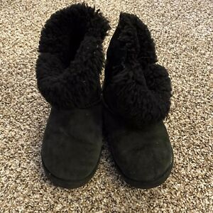 UGG Bailey Youth Girls Size 13 Moon Boots Button Black Suede Fur Lining EUC $19.95