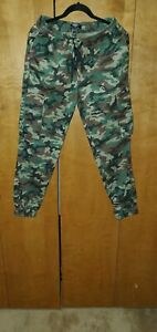 Forever 21 Men#x27;s Camo Camouflage Pants Size Large 2020 Slim Fit