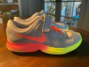 Nike Girls Revolution 4 Fade Running Shoes Gray AR2421 001 Size 1Y $19.95