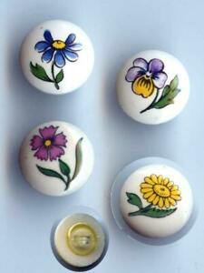 SET OF 4 DIFERENT FLOWERS ON CERAMIC SMALL SEWING BUTTONS VINTAGE $7.99