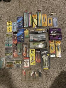 fishing lure lot with some vintage lures