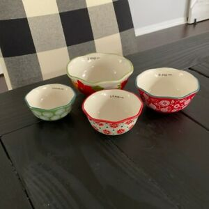 The Pioneer Woman Holiday Christmas Poinsettia Floral Measuring Bowl Cup Set EUC