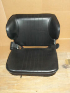 1621 SMH Forklift Seat Bottom 20 12 X 16 12 Top 20 14 X 15 Mounting 13 In