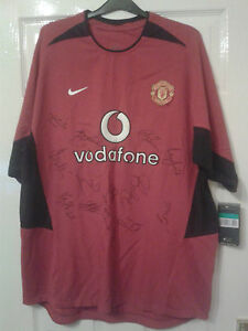 Mens Football Shirt Manchester United SQUAD SIGNED FERDINAND KEANE GIGGS SCHOLES