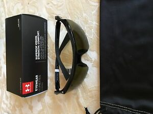 Under Armour 8600082-000930 core 2.0 shiny black charcoal frame game day  lens