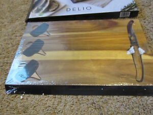Picnic Time 'Delio' Cutting Board and Cheese Tools Serving Set new