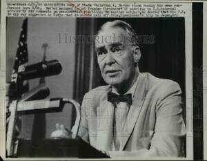 1960 Press Photo Secretary of State Christian Herter at New Conference