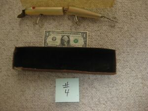VINTAGE OLD WOODEN BAIT CO MUSKIE LURE LEVIATHAN.PRISTINE CONDITION ..MODEL 1250