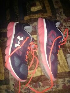 NEW Girl's Under Armour Shoes Pink Blue Size 5.5Y GGS ASSERT