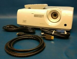Mitsubishi XD250U Projector WRemote 2700 Lmns 2000:1 HDMI Under 500 Lamp Hours