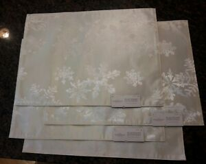 Threshold Target Snowflake Cream White Damask Placemats Christmas Holiday Winter