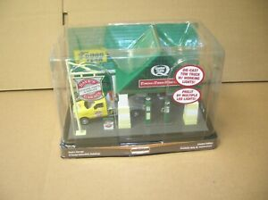 MENARDS O SCALE BUILDINGS DAVE#x27;S GARAGE W POWER ADAPTER MAKE OFFERS