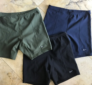 *NEW* NIKE Fitted Dri Fit Shorts BLACK ONLY Yoga Running + WOMEN XL 16 18 NWT $35.00