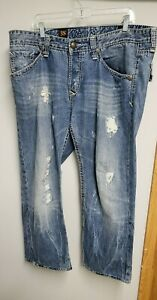 Rivet de cru jeans 38. Straight Leg. Button fly. Actual Measurements 40x28.
