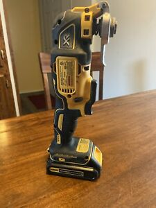 DEWALT 20V MAX XR BRUSHLESS OSCILLATING SAW MULTI TOOL  with BATTERY