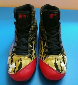 Under Armour Deception Baseball Shoes Red Gold Black sz 6Y Lace Up Molded Cleats $19.99