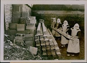 GA29 1953 Original Photo NUNS BUILD OWN CONVENT Turin Italy Carmelite Workers