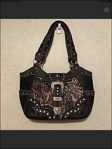Pamp;G Collection® Camouflage Purse NEW WITHOUT TAGS
