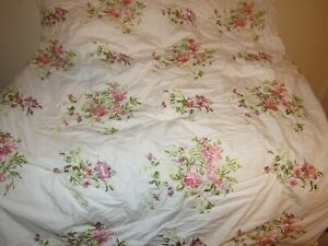 Raymond Waites Comforter NEW Floral Embroidered Queen Size w Bedskirt