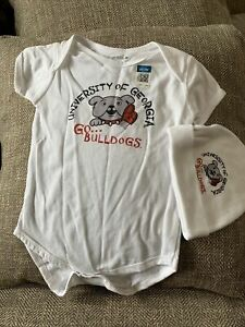 Georgia Bulldogs Licensed Bodysuit 12 M With Hat New With Tags $12.99