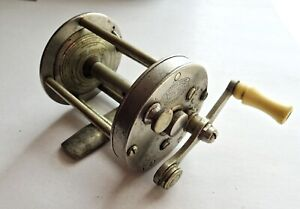 VINTAGE SOUTH BEND MODEL 1131 A FISHING CASTING REEL WITH EARLY PATENT DATES