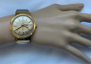 Vintage Timex Watch New Battery Men's Stretch Stainless Band Day Date HK 1960's
