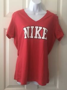 Womens NIKE XL Slim Fit Pink V Neck T Shirt with White Spell out NWOT $14.90