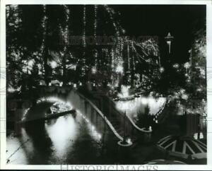 1992 Press Photo Fiesta de las Luminarias along the San Antonio River Texas