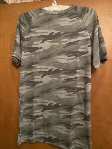 NWOT. Fore Women's Camouflage T shirt. Size Medium
