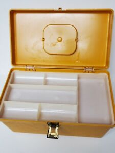 Vintage Wilson Wil Hold Sewing Box With Removable Tray Gold Plastic $23.99