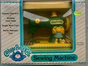 VINTAGE 1984 CABBAGE PATCH KIDS SEWING MACHINE WITH ORIGINAL BOX $35.00