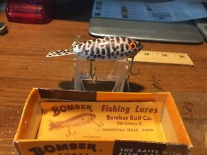 VINTAGE WOODEN BOMBER LURE NO 555 NEW IN BOX MADE IN GAINESVILLE TX. USA