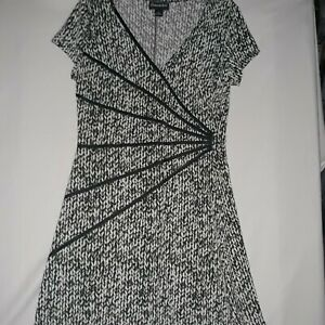 Connected Fit And Flowy Dress Sz 10