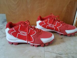 boys UNDER ARMOUR red white lace up baseball shoes cleats size 6Y