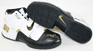 UDA Autographed Lebron James Fall 2007 Zoom Soldier Promo Nike 16 Sneakers Shoes