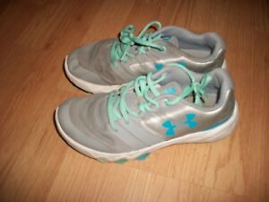 Under Armour girls 5.5Y running tennis shoes gray teal blue sports basketball