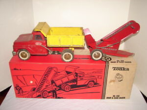 VINTAGE TONKA TOY NO. 616 DUMP TRUCK & SAND LOADER IN BOX STEEL CONSTRUCTION