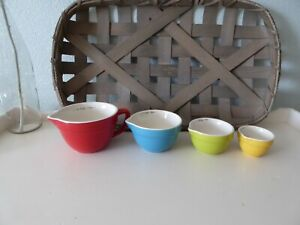 4 Piece Measuring Cup Set NEW Stoneware Whimsical Batter Bowl Shaped Nesting