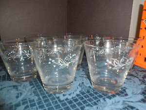 VINTAGE  CLEAR GLASS WITH LIGHT BLUE FLOWER DESIGN ON THE ROCKS SET OF 8 EUC