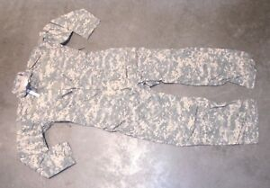 US Military Issue Army ACU Camouflage Mechanics Coveralls Type III Size Large