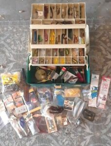 Grandpas dad Loaded Tackle Box Antique Fishing Lures fly deep sea on off shore