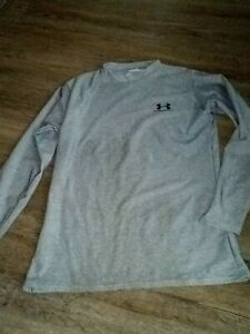 Girls Under Armour Dri fit L S Gray Shirt Top Sz YXL $6.99
