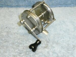 VINTAGE 4 BROTHERS MOHAWK BAITCASTING FISHING REEL GOOD WORKING CONDITION $24.99